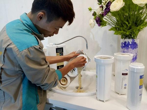 Dịch vụ thay lõi máy lọc nước có vai trò quan trọng